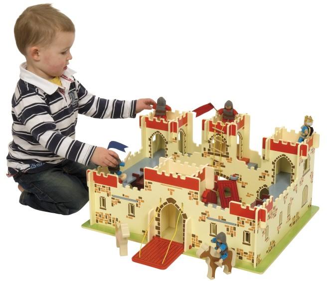 jt113_-_king_arthurs_castle_child